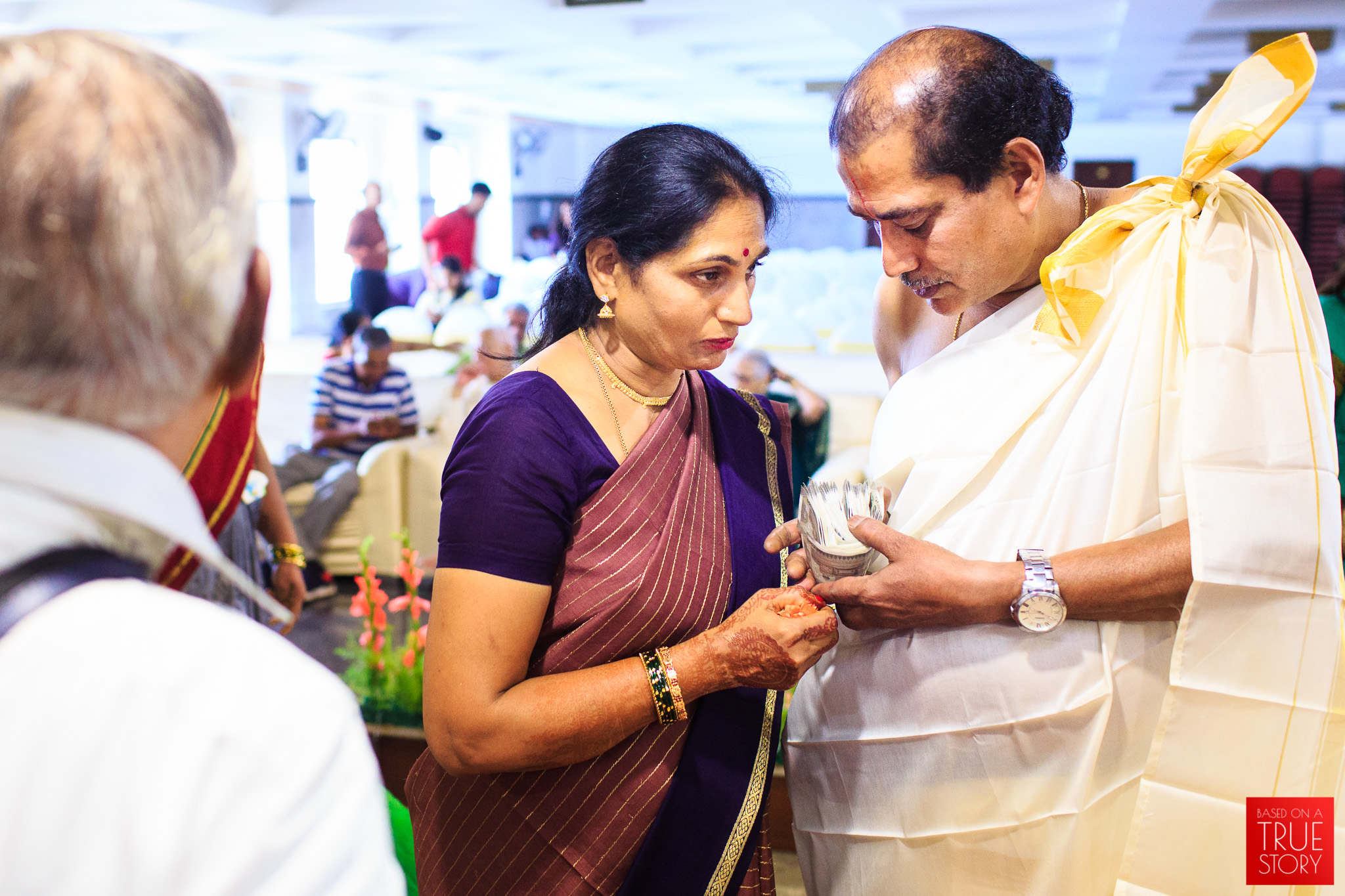 Tambrahm-Candid-Wedding-Photographers-Bangalore-0008.jpg