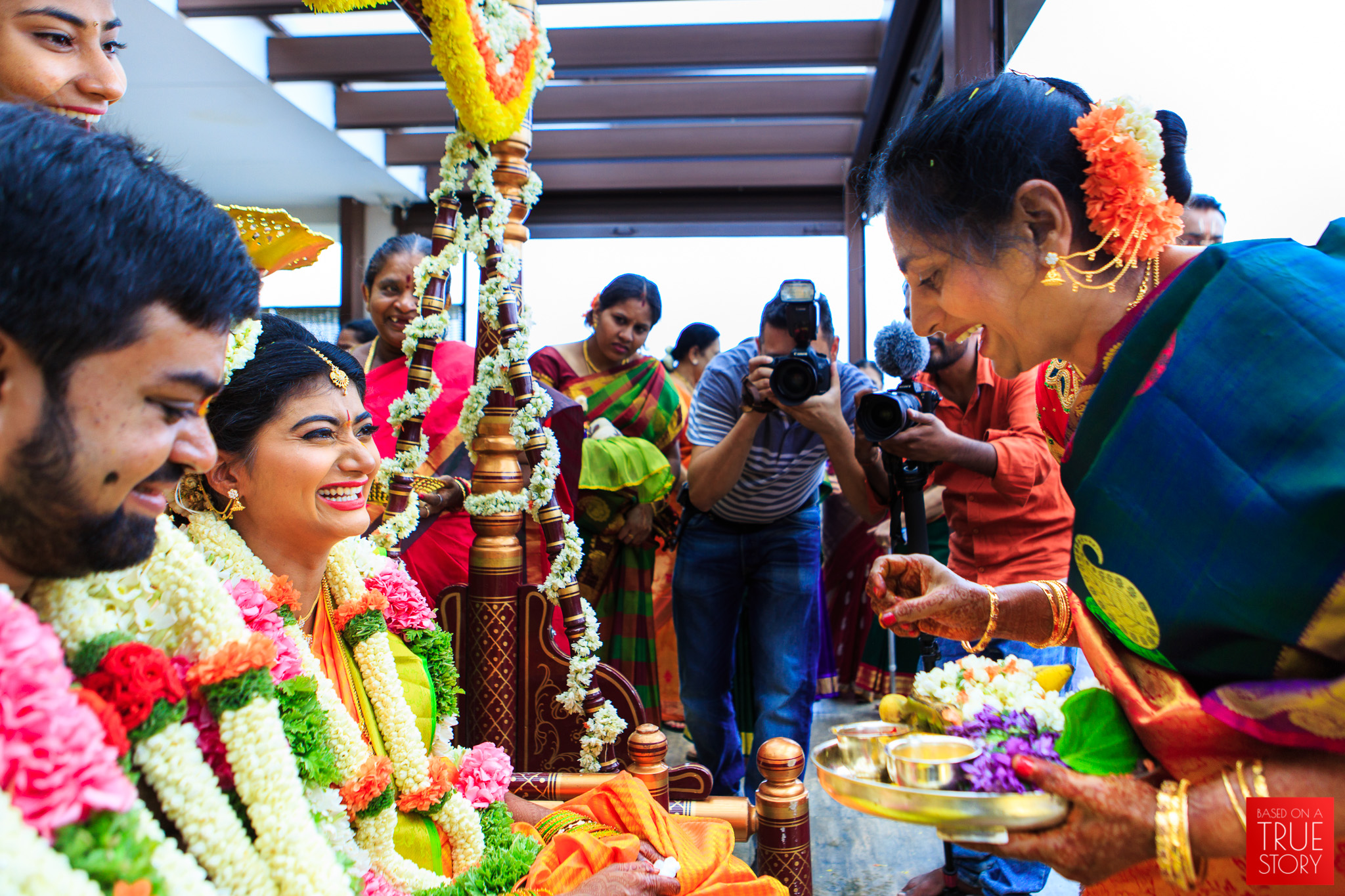 Tambrahm-Candid-Wedding-Photographers-Bangalore-0058.jpg