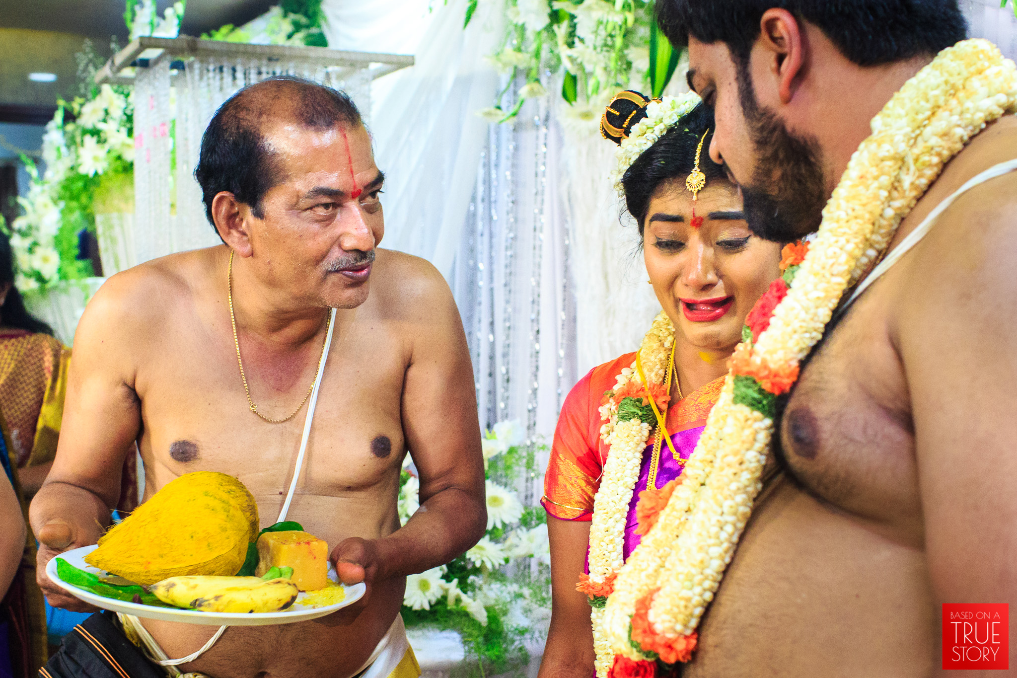 Tambrahm-Candid-Wedding-Photographers-Bangalore-0098.jpg