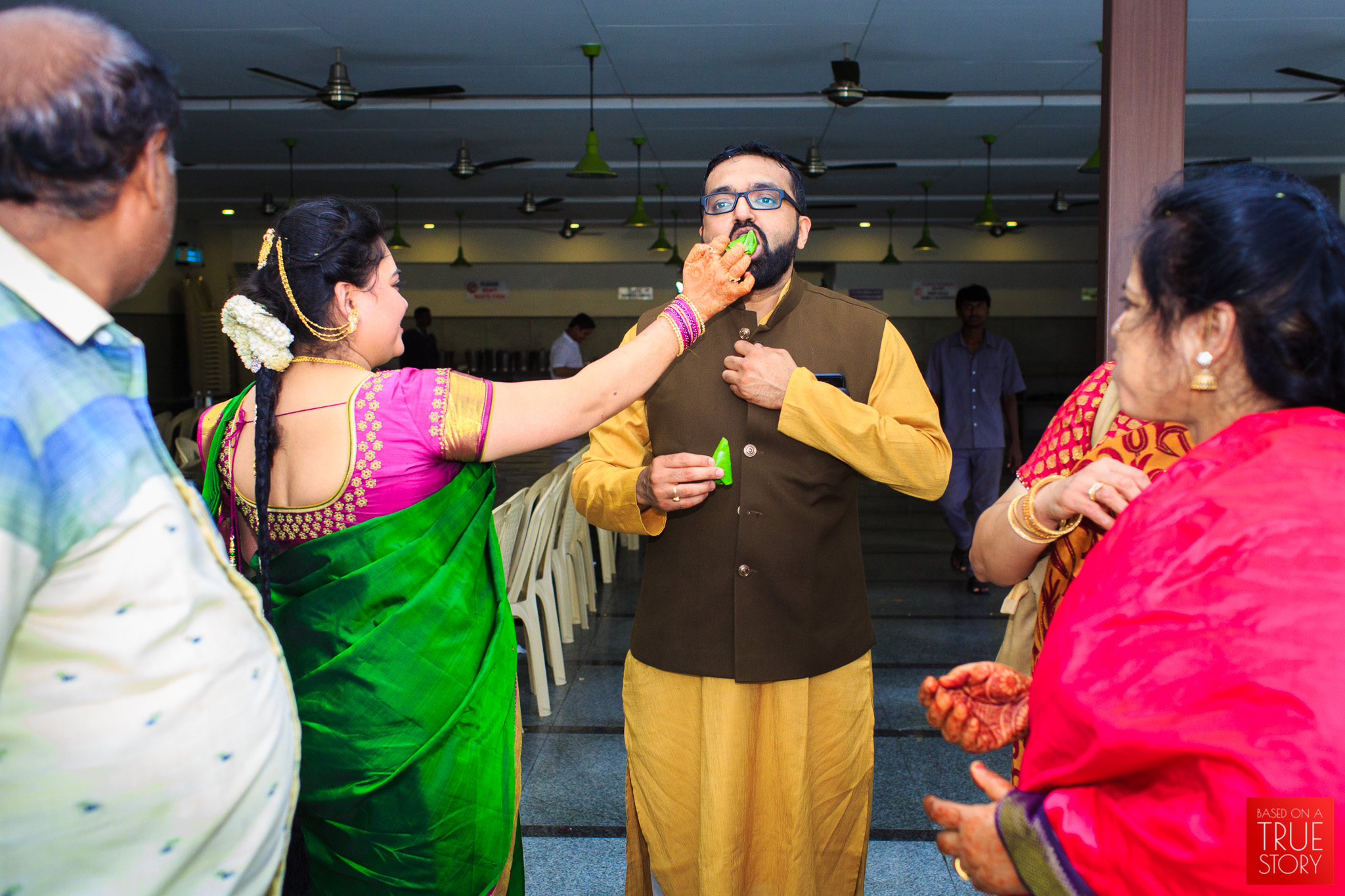 Tambrahm-Candid-Wedding-Photographers-Bangalore-0106.jpg