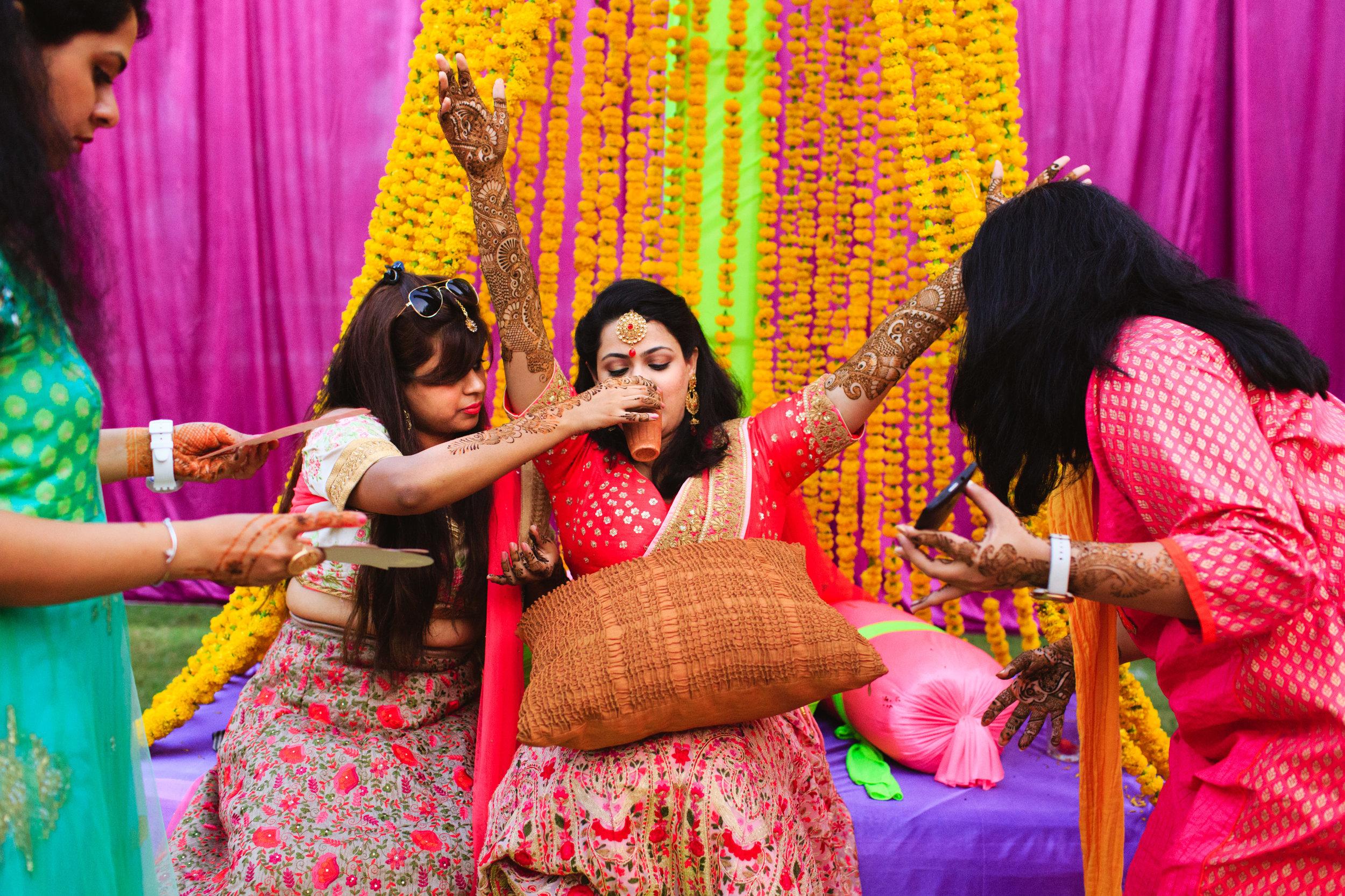 candid-wedding-photographers-lucknow-0018.jpg