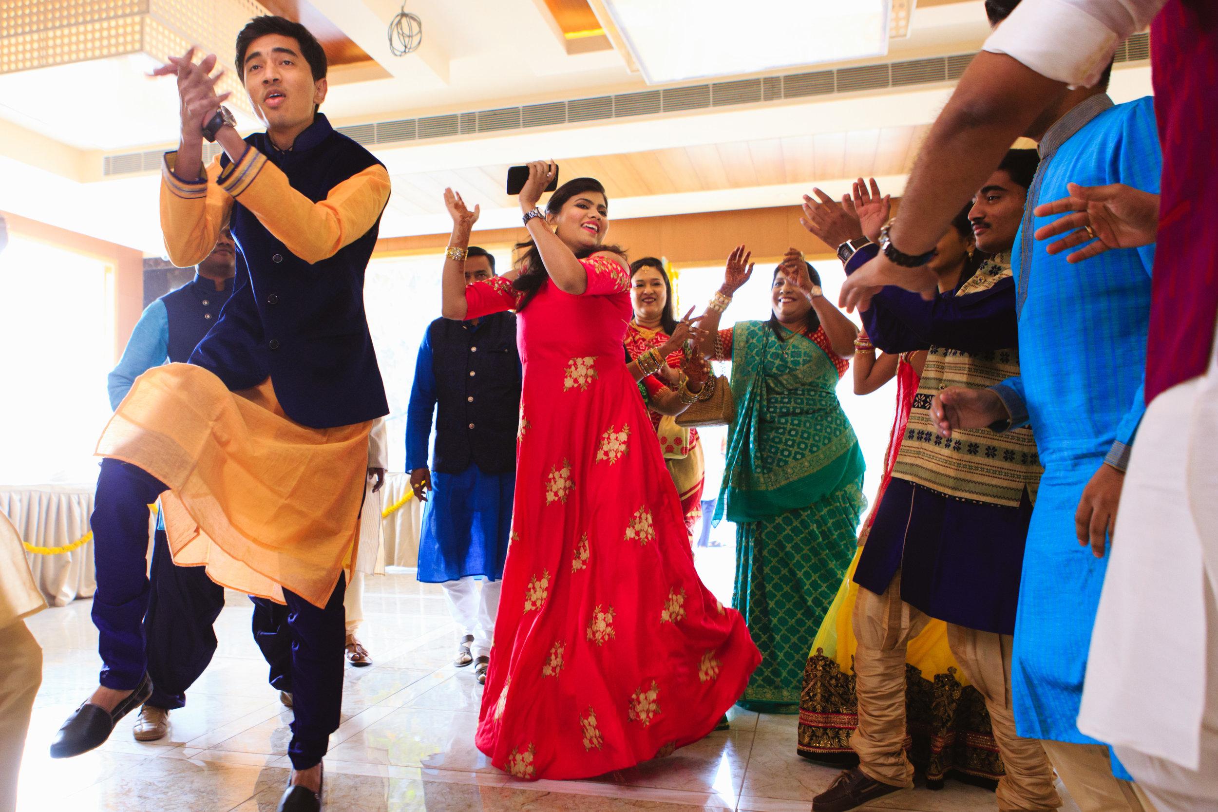 candid-wedding-photographers-lucknow-0027.jpg