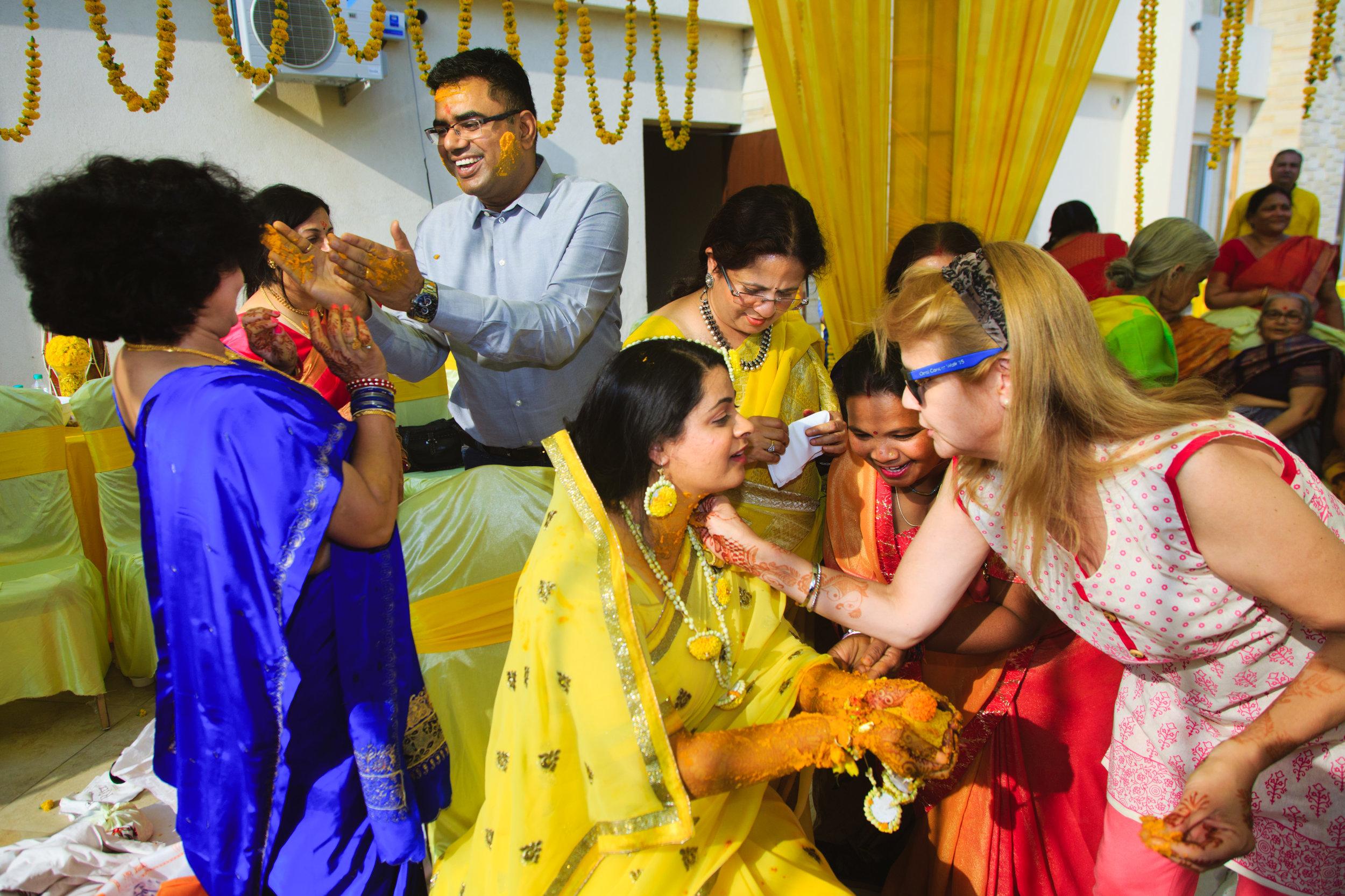 candid-wedding-photographers-lucknow-0034.jpg