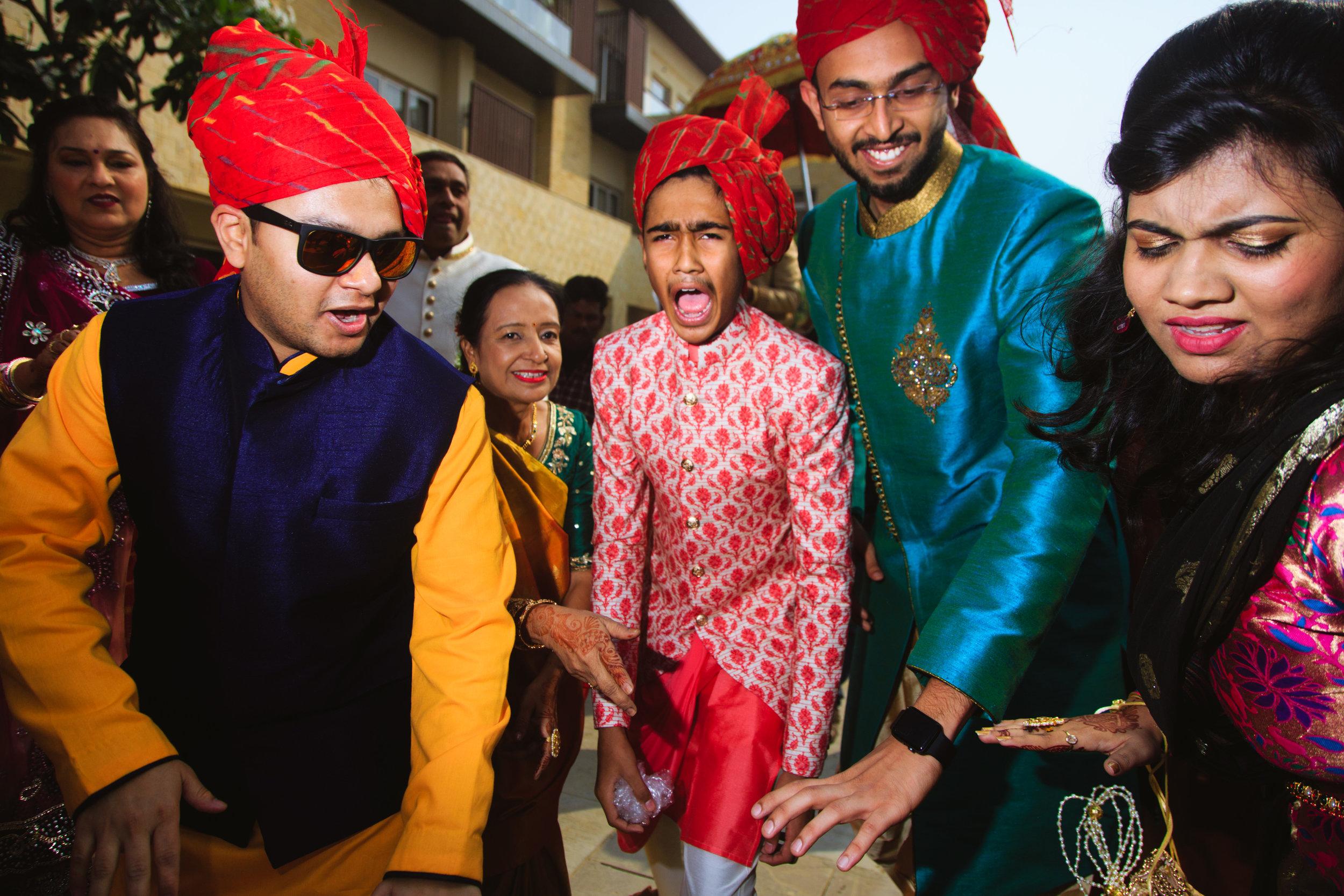 candid-wedding-photographers-lucknow-0048.jpg
