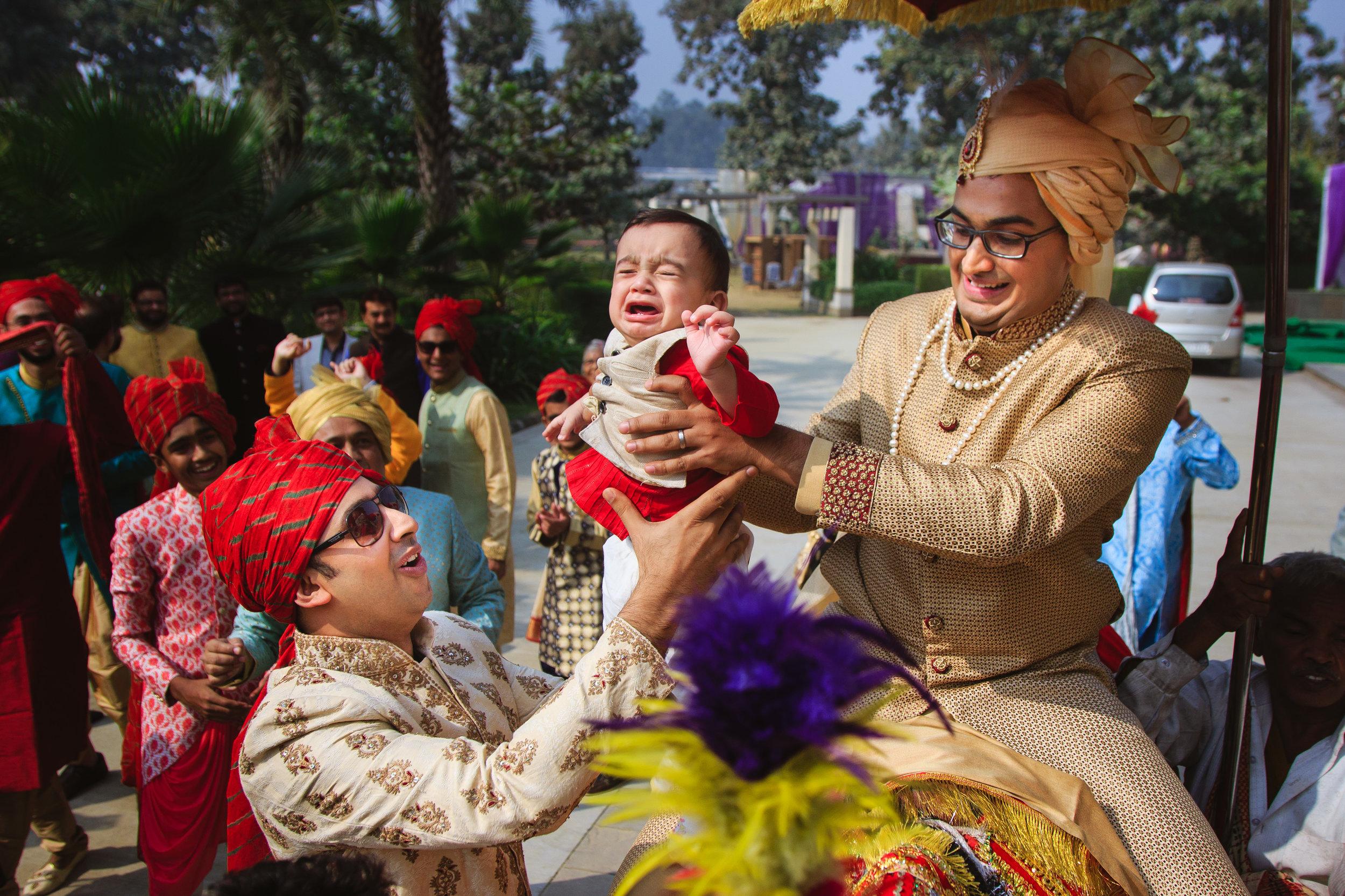 candid-wedding-photographers-lucknow-0053.jpg