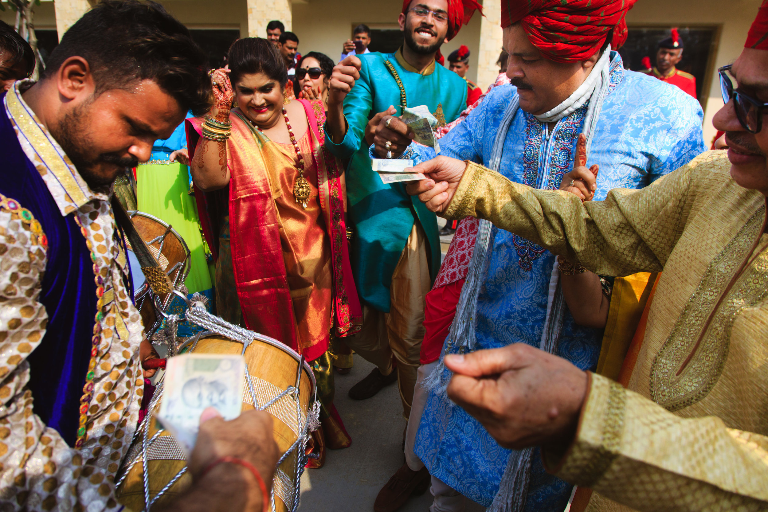 candid-wedding-photographers-lucknow-0054.jpg
