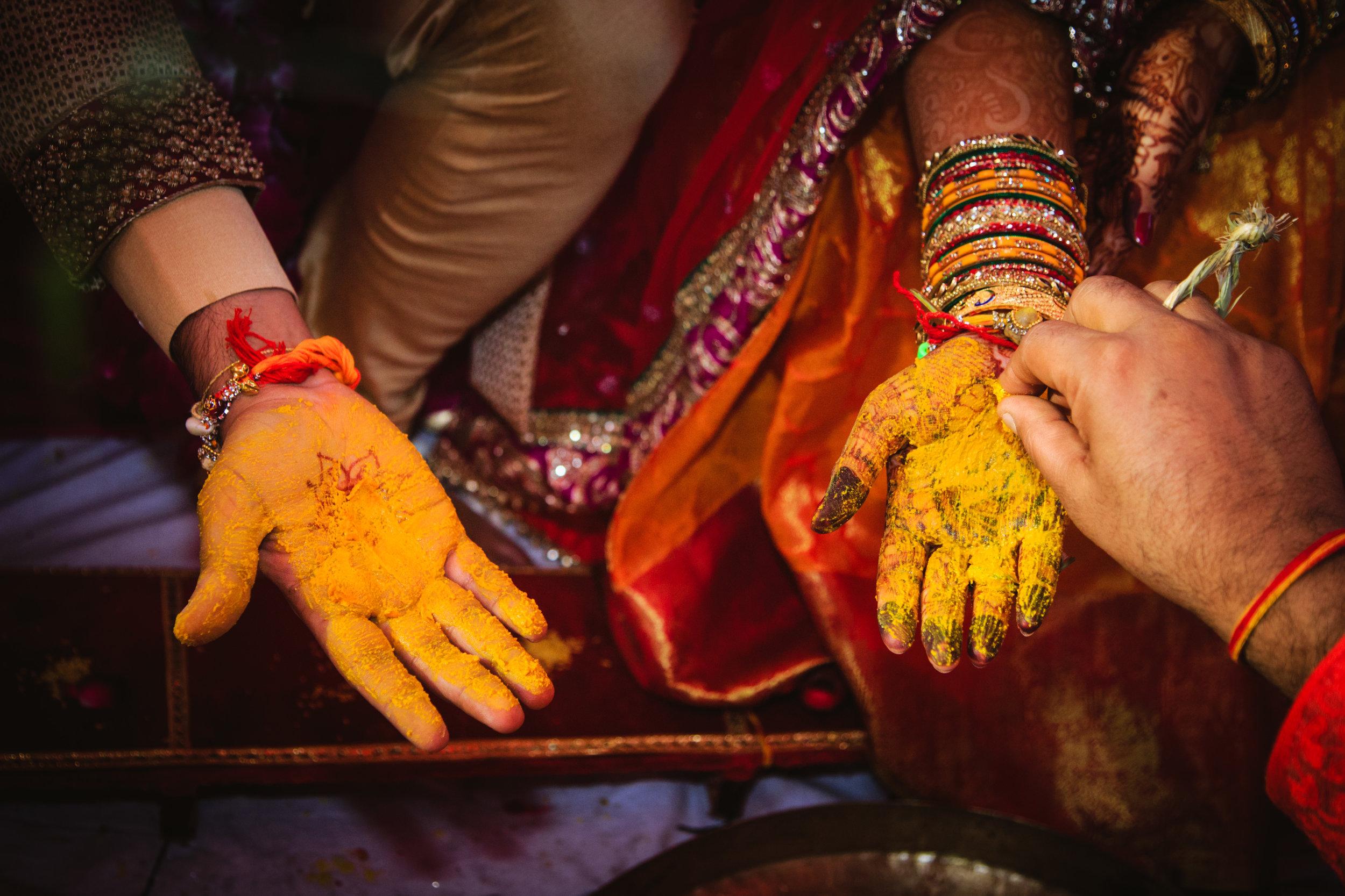 candid-wedding-photographers-lucknow-0060.jpg