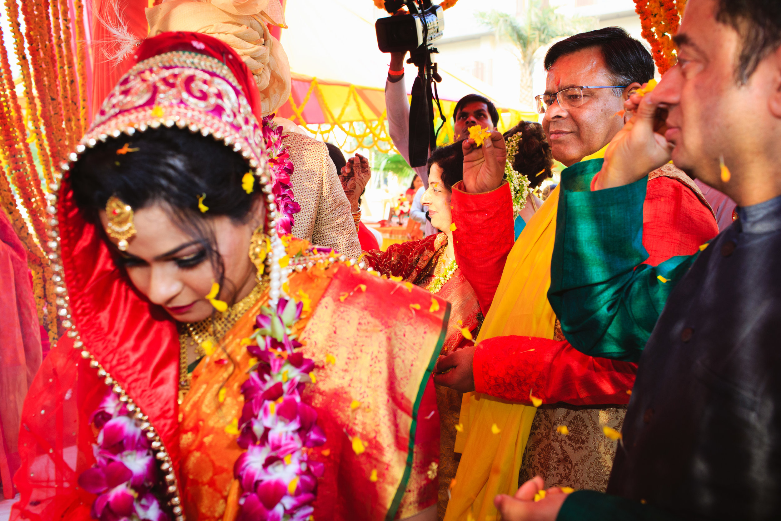 candid-wedding-photographers-lucknow-0061.jpg