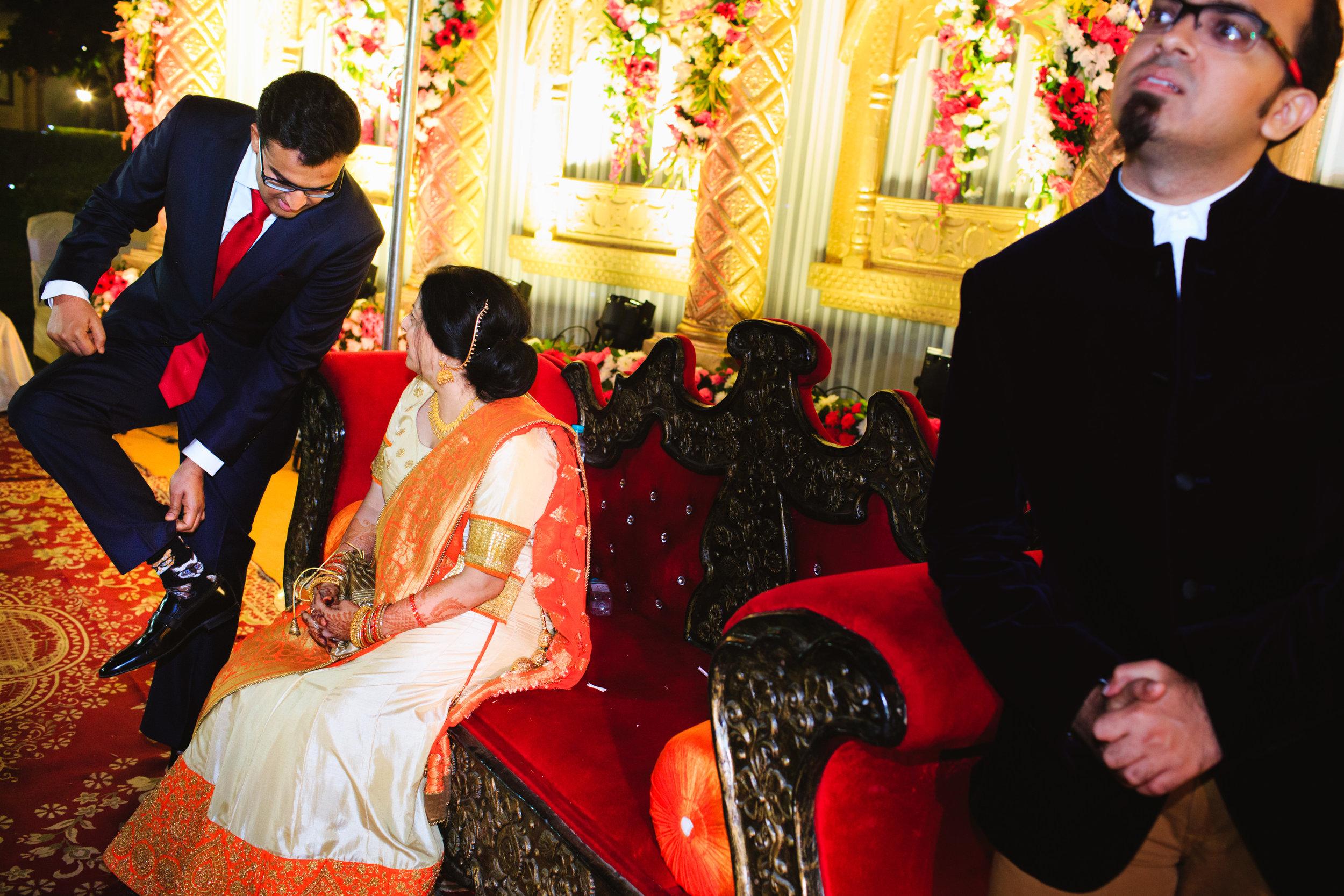 candid-wedding-photographers-lucknow-0071.jpg