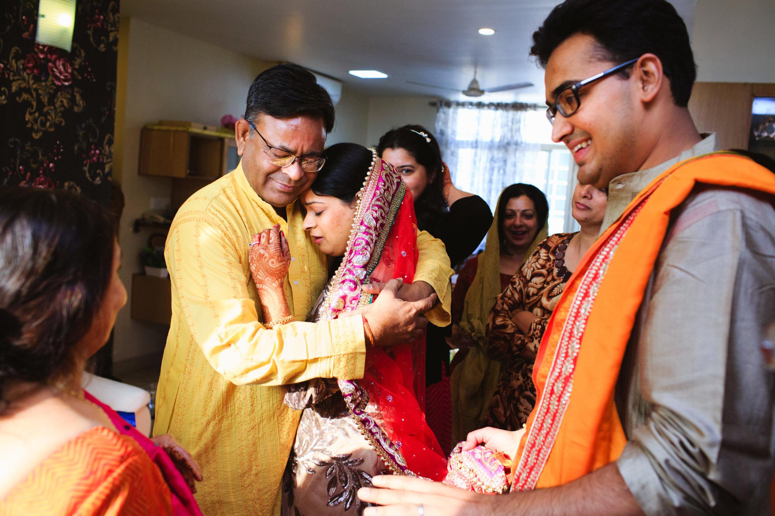candid-wedding-photographers-lucknow-0075.jpg