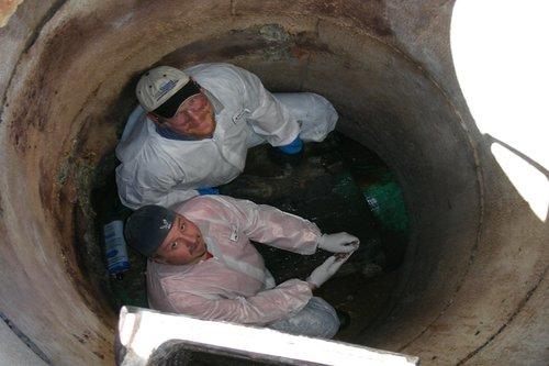 manhole-rehabilitation-larg1291205034.jpg