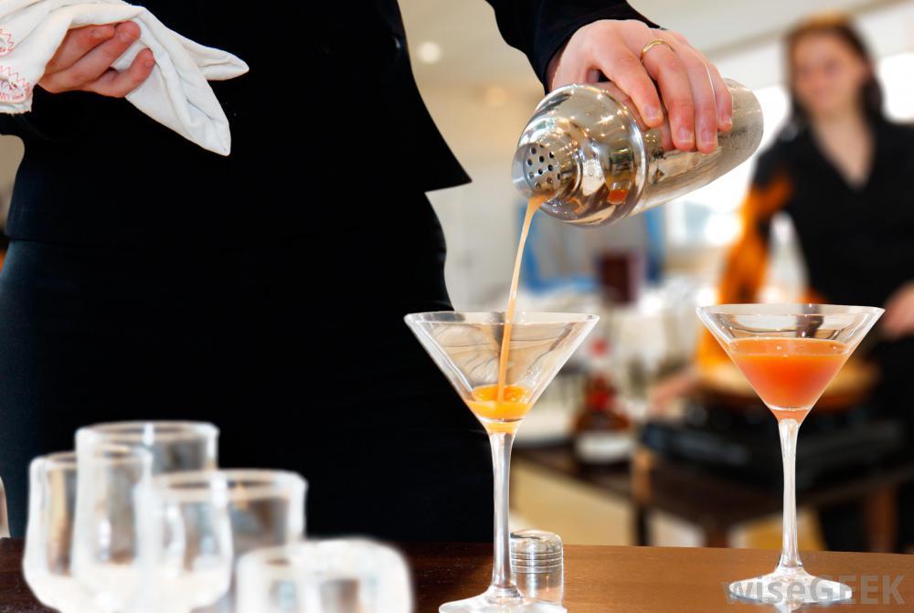 woman-prepares-refreshments.jpg
