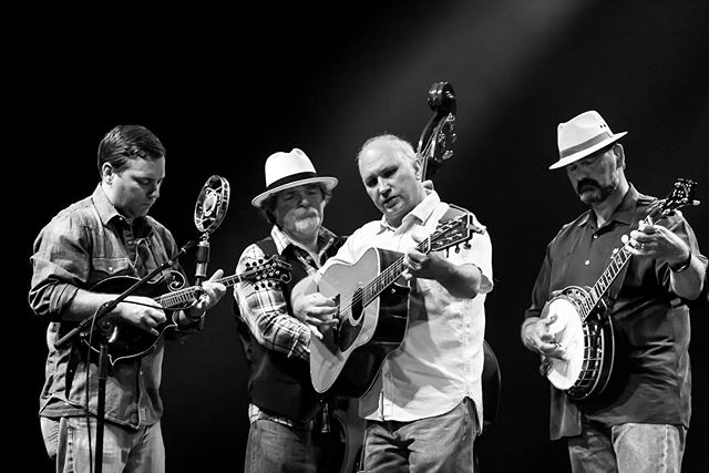 California - we here with the bluegrass!  Saturday Sep 28th at Plough & Stars in San Francisco  Sunday Sep 29th at First Pres Church in Monterey  Thursday Oct 3rd at Karl Strauss Tasting Room in San Diego  All proceeds go to the local shelters, 'cause it's A Dog's Dream!  Tour sponsored by @bissellclean  #ADogsDream  #Bluegrass  #California  #CaliforniaBluegrass  @theploughandstars  @karlstraussbeer  @sf_spca @spcamc @sdhumanesociety