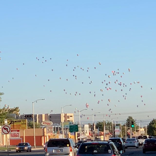 Albuquerque, I'm sorry. I just don't love you. But these hot air balloons are a nice touch for the Monday morning drive.  Dallas on Tuesday!! #ADogsDream