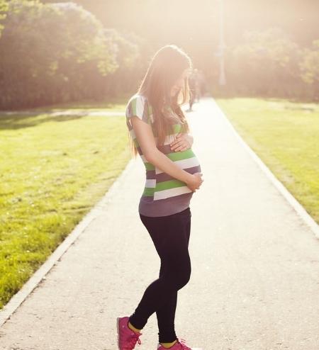 pregnant-1561750_1280.jpg