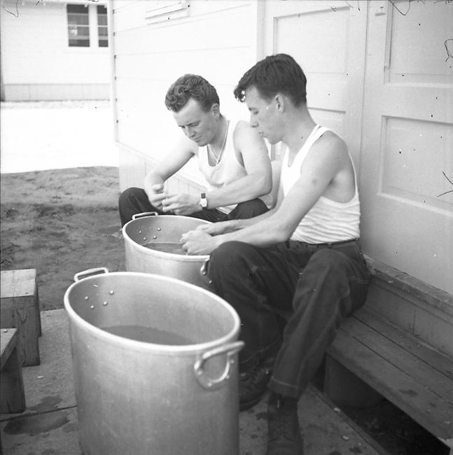 Bob and Dip peeling potatoes at Bragg