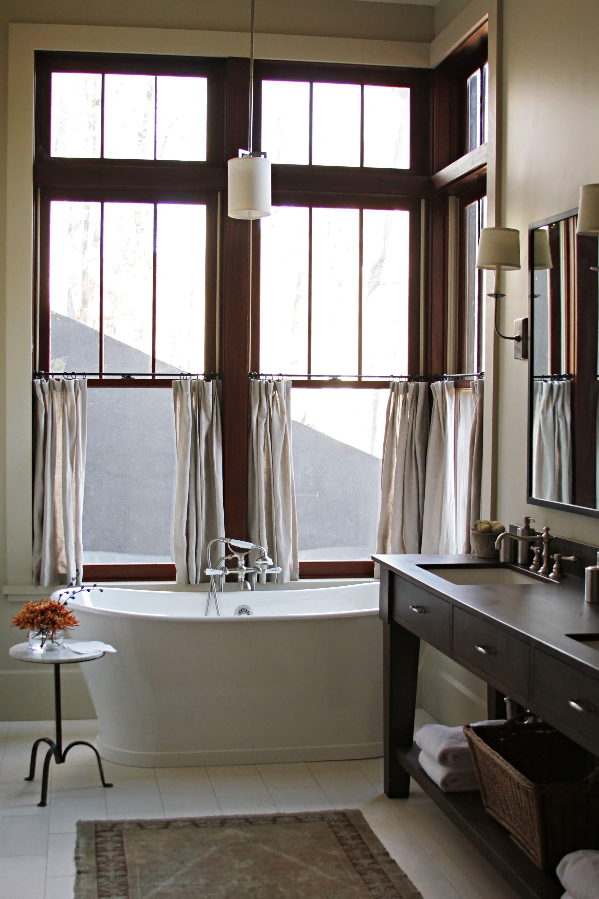 10, Master Bath.jpg