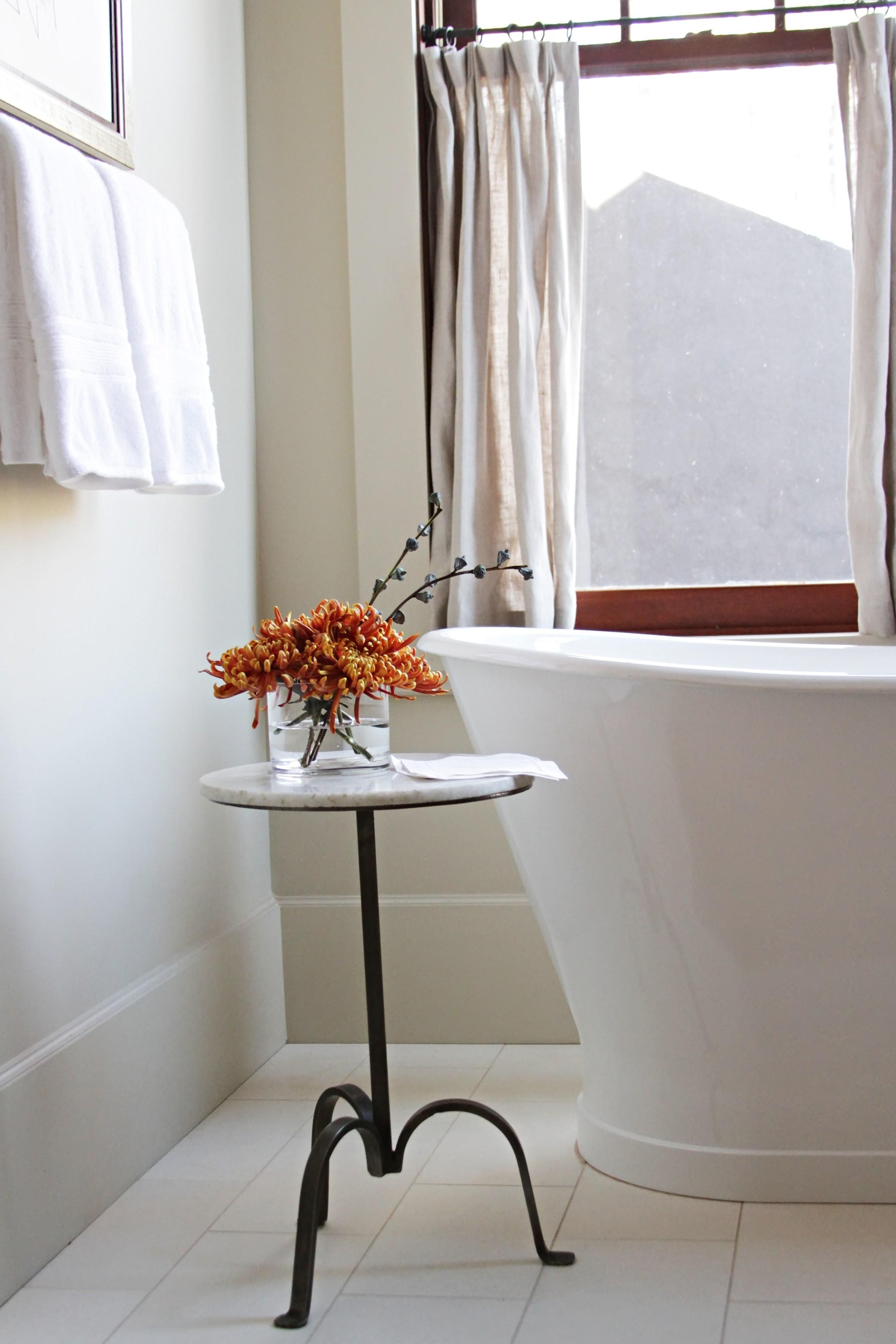 12, Master Bath.jpg