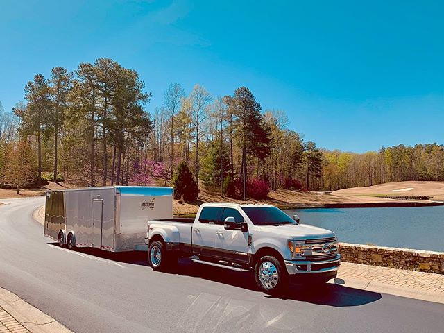 #alumiduty #brutus #400kmiles #ford #fseries #f350dually #teamworkmakesthedreamwork #transport #enclosedtransport #transporter #carhauler #transportation #superduty #superdutynation