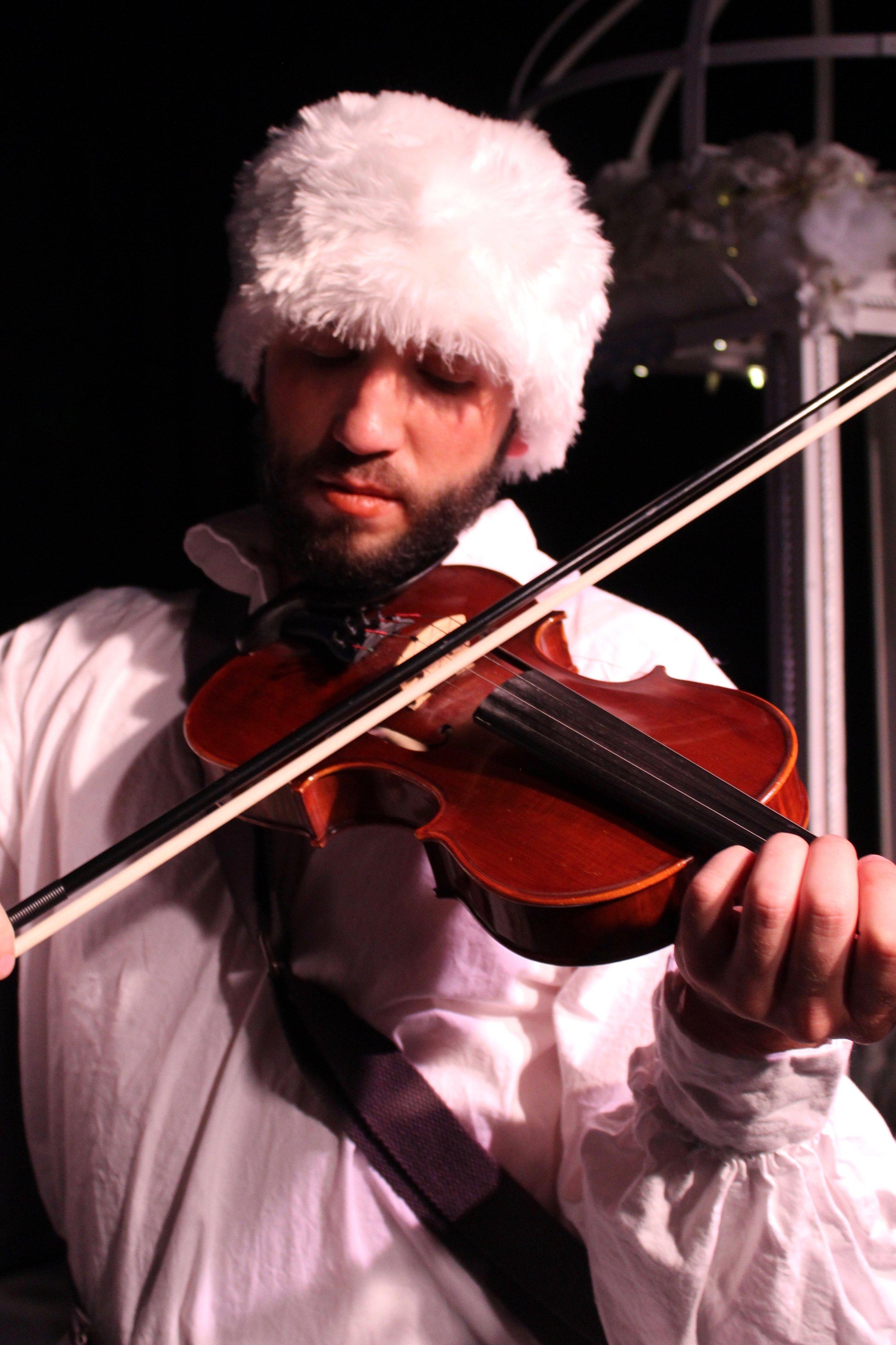 Michael Gurshtein as Sadko