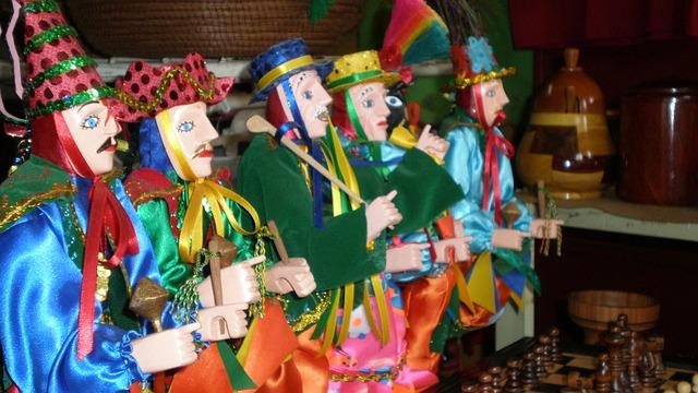 El Gueguense (wise man) dolls