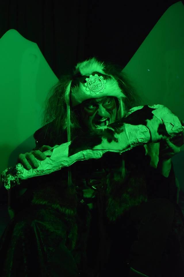 Luca Grieman  as Thrym