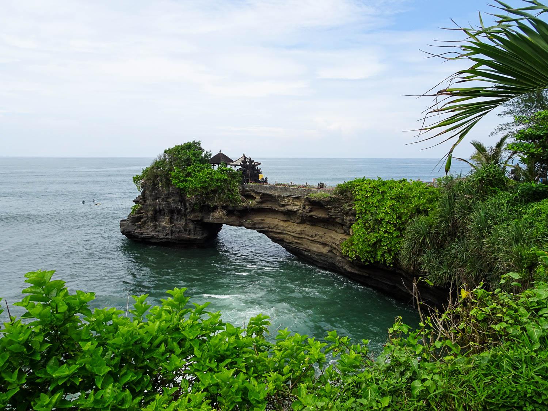 TanahLotTemple_Bali.jpg