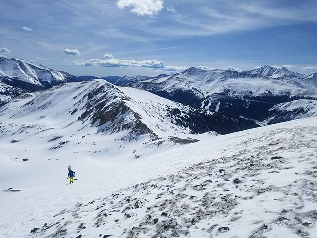 Lots of skiing still to be had in Colorado's backcountry! Now we just need to get @djdurks a pair of skis ⛷️#skicolorado #backcountryskiing #springskiing #cornfordays