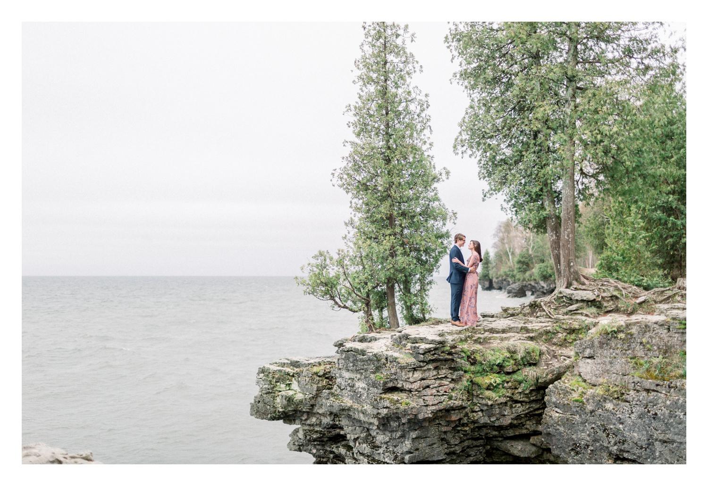 Wisconsin-Wedding-Photographers-Elle-x-Troy-Photography-Door-County-Engagement-Amanda-&-Ansel_0002.jpg