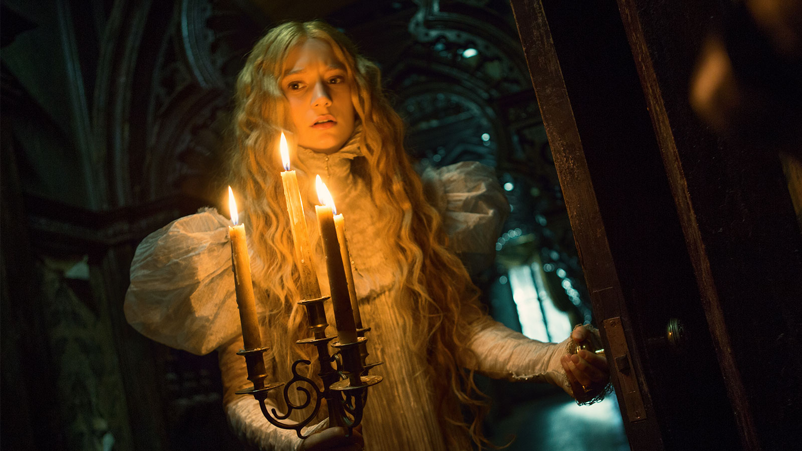 film_crimsonpeak_featureimage_desktop_1600x9001.jpg