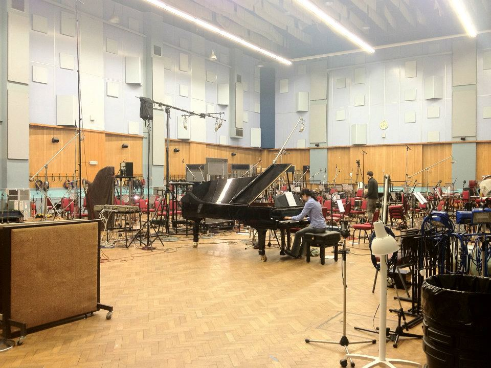 Caruso practicing to record with the London Metropolitan Orchestra at Abbey Road Studio 1