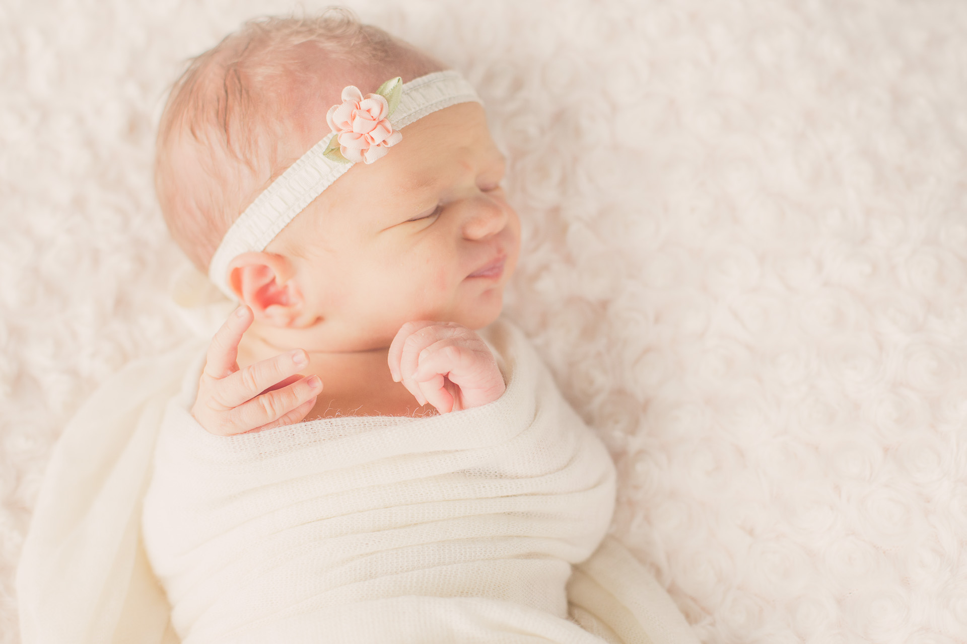 newborn-photographer-urbandale.jpg