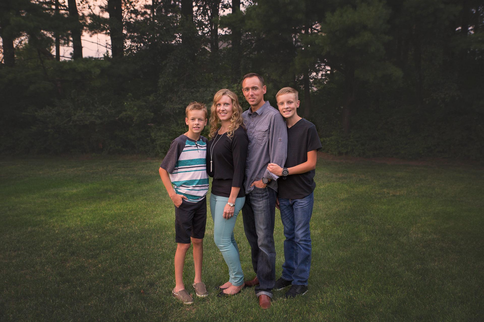 urbandale-extended-family-photographers-9.jpg