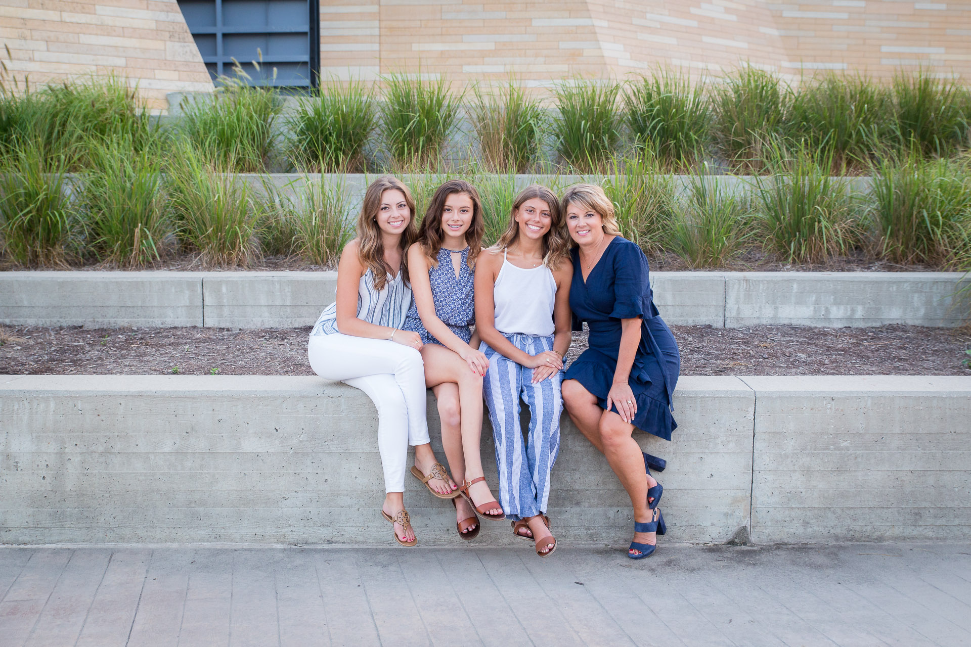 Family-Photographer-Des-Moines-35.jpg