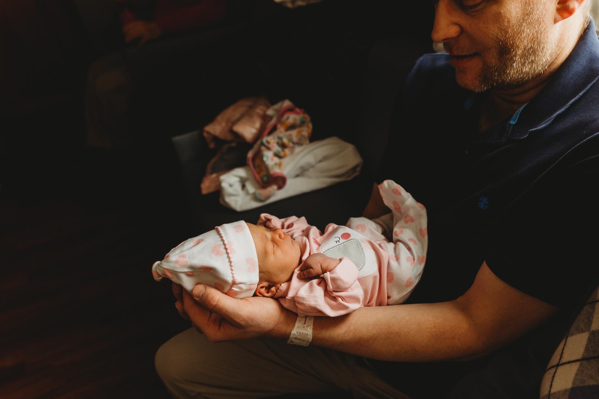 newborn-photographers-urbandale-4.jpg