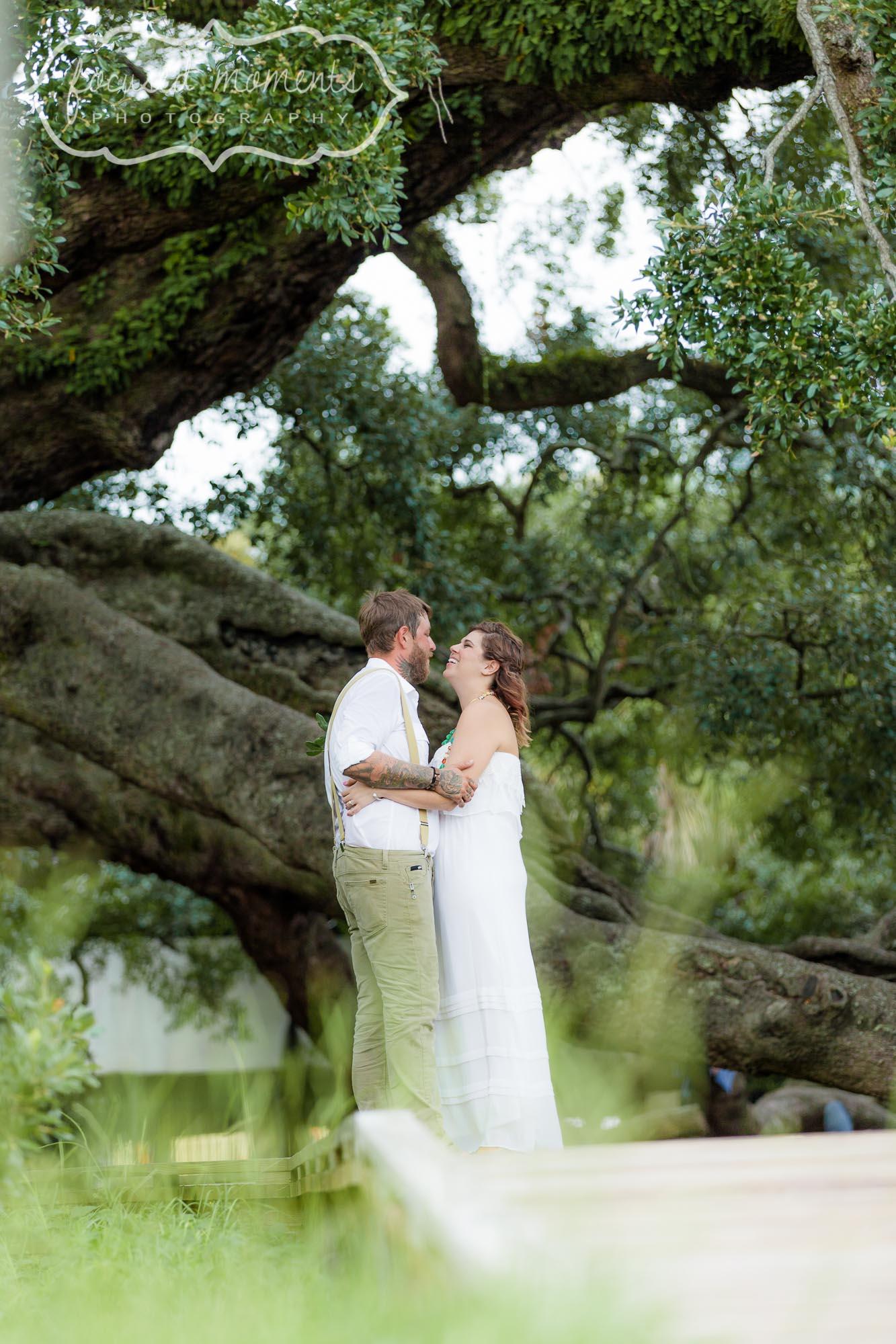 2013_08_03_Treaty_Oaks_Park_Jacksonville_Engagement_Photography_13.jpg