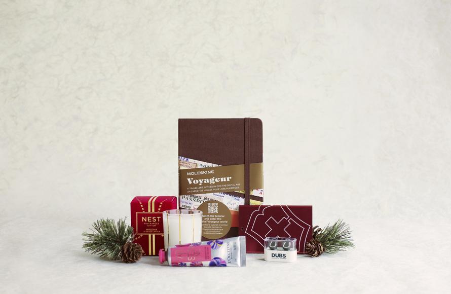 Stocking-Stuffer-Gift-Guide-890x580.jpg