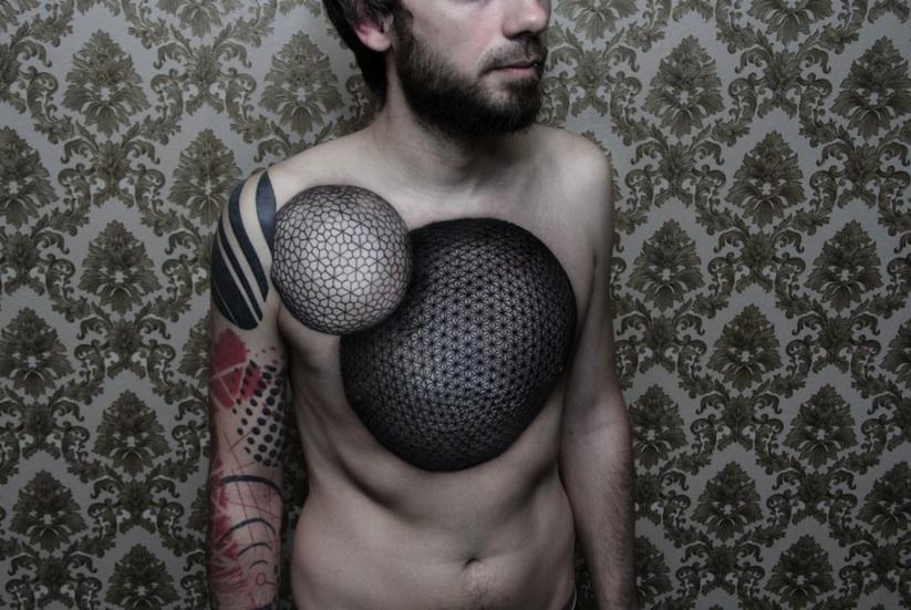 Dots_To_Lines_A_Portrait_of_Tattoo_Artist_Chaim_Machlev_2015_02.jpg