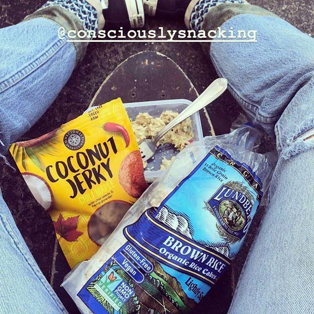 Snack life chilln! 🌴🔥👌 www.consciouslysnacking.com #cocojerky #guiltfree #crueltyfree #paleo #soyfree #nongmo #additivefree #organic #glutenfree #snackfood #futureofsnacking #vegan #rawvegan #raw #coconut #jerky #snacking #vegans #coconutjerky #vegansofig #rawvegansofig #lovecoconut #coconutlove #plantbased #veganlife #vegansnacks #whatveganseat #smile #outdoors #socal
