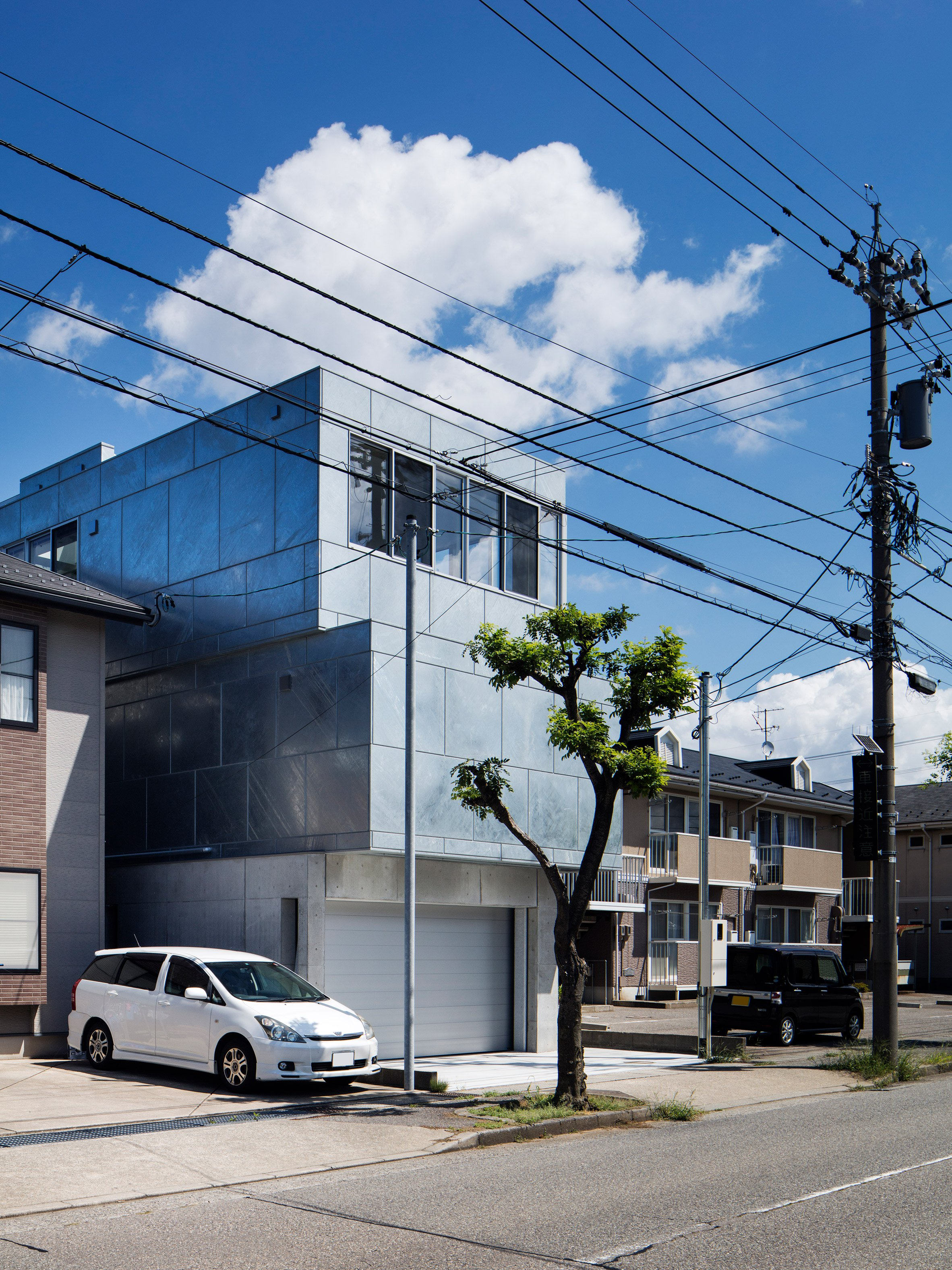 shinbohon-house-k-yuichi-yoshida-associates-architecture-residential-japan-_dezeen_2364_col_2.jpg