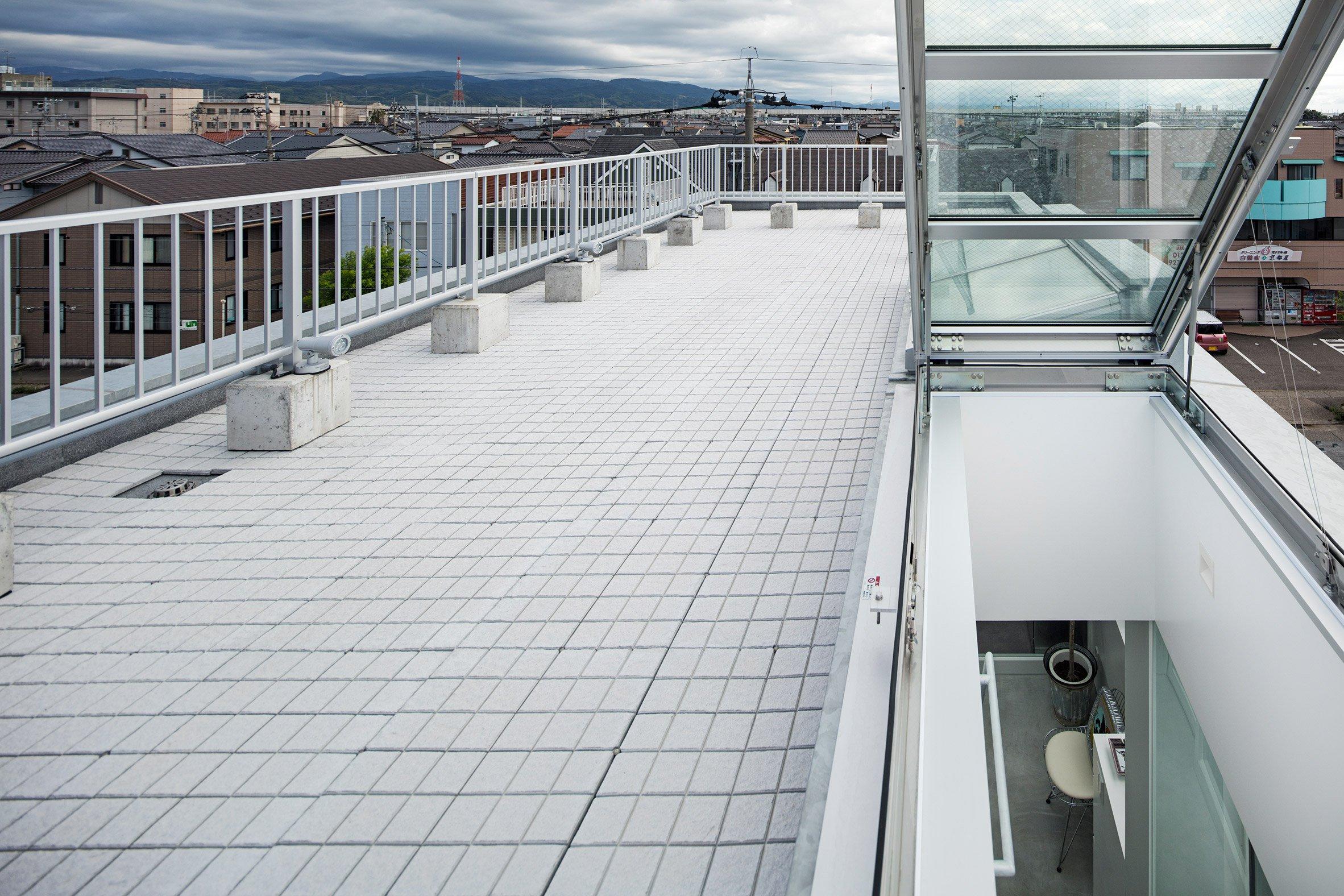 shinbohon-house-k-yuichi-yoshida-associates-architecture-residential-japan-_dezeen_2364_col_15.jpg
