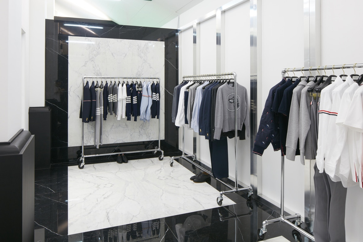 http-%2F%2Fhypebeast.com%2Fimage%2F2017%2F07%2Fdover-street-market-singapore-store-inside-pictures-4.jpg