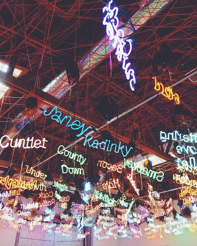 This is exactly how I picture the thoughts in my head 💭 #Neon #NeonLights #ArtInstallation . It's been really fun walking around the Art District in DTLA, so much to see! Today we'll try hit as many h museums as possible! 🤓 . #SatozarAdventures #SatozarGoesToLosAngeles #SoCal #DTLA #Museums #Roadtrip #VSCO #AdventureTime #Thoughts #FuckYeah #LosAngeles #California #LAArtDistrict #ArtDisctrict #Art #Artsy