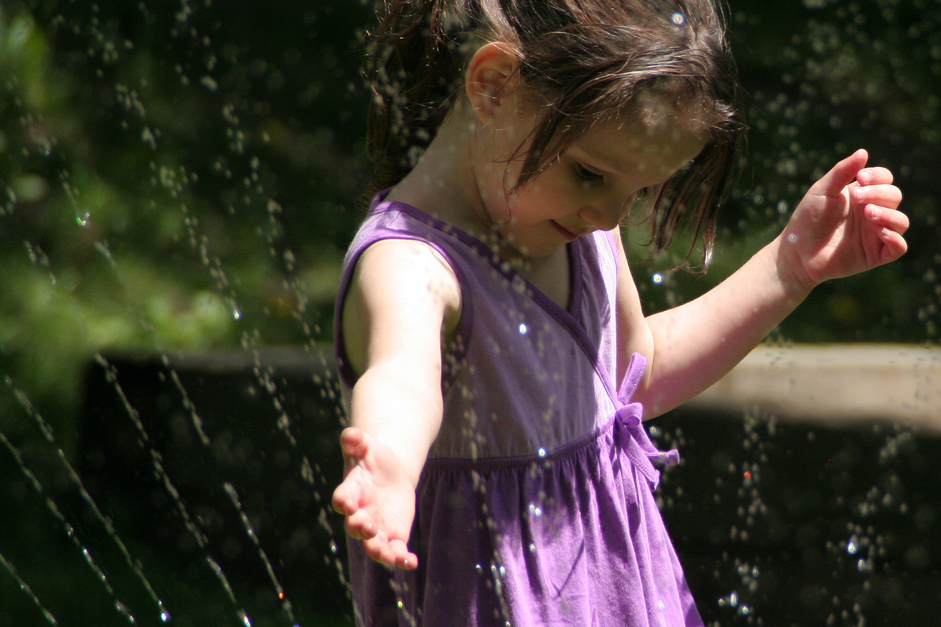 littlegirl-water.png