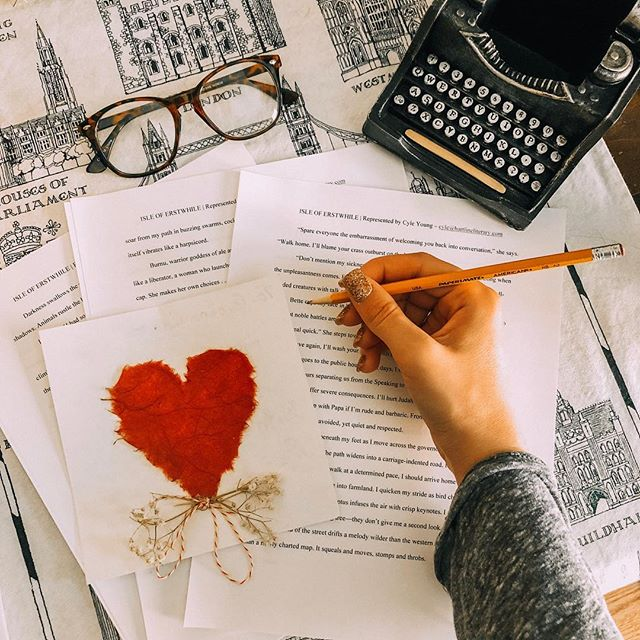 EDIT YOUR HEART OUT. ♥️ Words create the story, but edits bring it to life. Anyone in the process of editing a book? 🙋🏼♀️ I'm back from Washington DC and hope to finish revisions for my YA speculative novel by the end of next week. 🤞🏼🙏🏼 Drop a comment below and tell me about your project. Writers unite! ———————————————————- In the following posts, I'll share pictures from my DC trip, quotes, and encouraging quips. However, for this post, I simply want to connect with you!! Are you pursuing publication? Reading an awesome book and need to fangirl about it? Let's chat!👇🏼I'll happily answer any questions you may have about life and the pub industry. ———————————————————- Some updates/shoutouts: - I'm a @seriouswriter Writer of the Year finalist! So honored and excited to reach the final stage of judging. - Congrats to @vduerstock on the release of her book HEART & HOME. - Congrats to @hopebolinger on the upcoming release of her YA novel BLAZE. * * * * * * * *  #April #lifestyleblogger #aesthetic #lifestylephotography #photography #writing #author #blogger #instagood #authorsofinstagram  #amwriting #bookstagram #reader #bookblogger #writersofinstagram  #booknerd #reading #lifestyle #digitalnomad #fashionblogger #bookhaul #creativelifehappylife #amreading #writer #thatsdarling #fashion #stylegram #vintage #madisonrosepresets