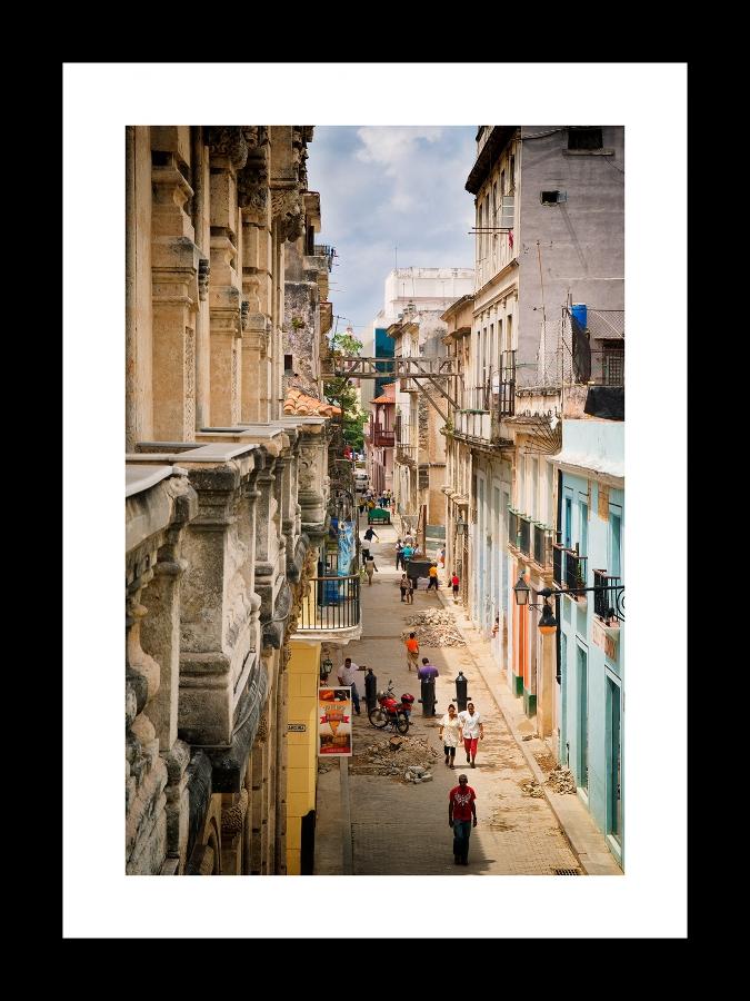street life in la habana   © preston lewis thomas
