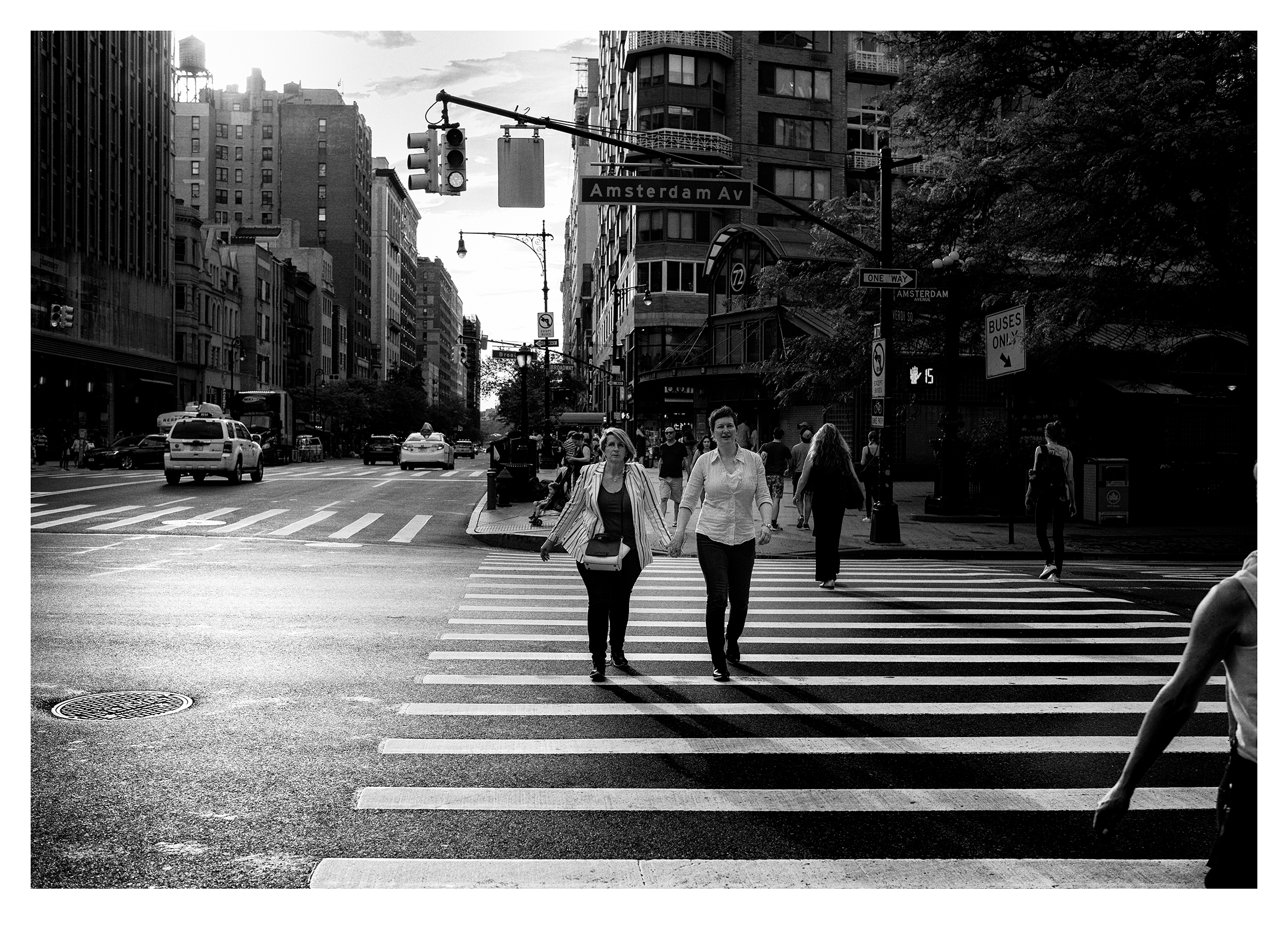 The Lovers Crossing, NYC