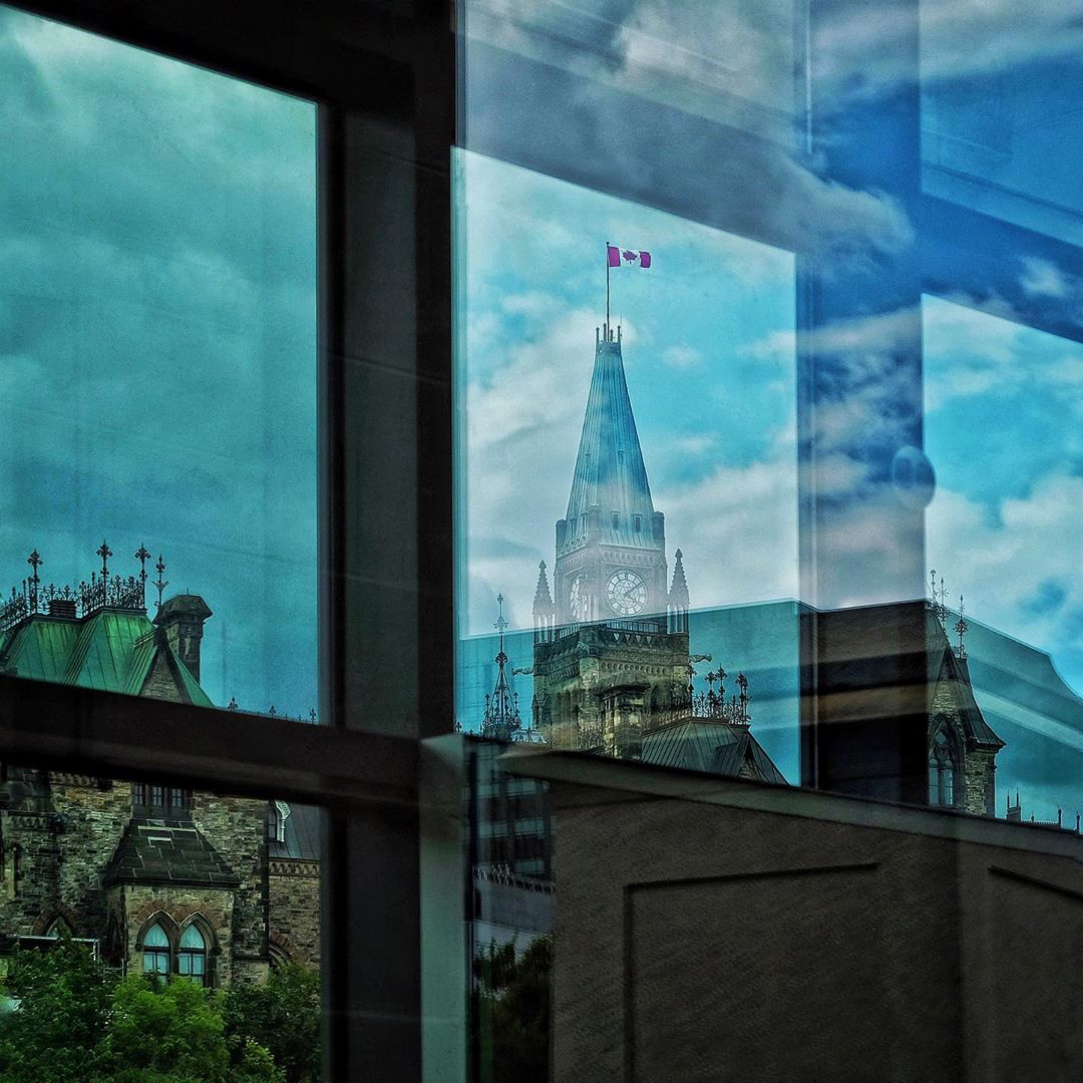 loveOttawa_PeaceTowerReflection.jpg