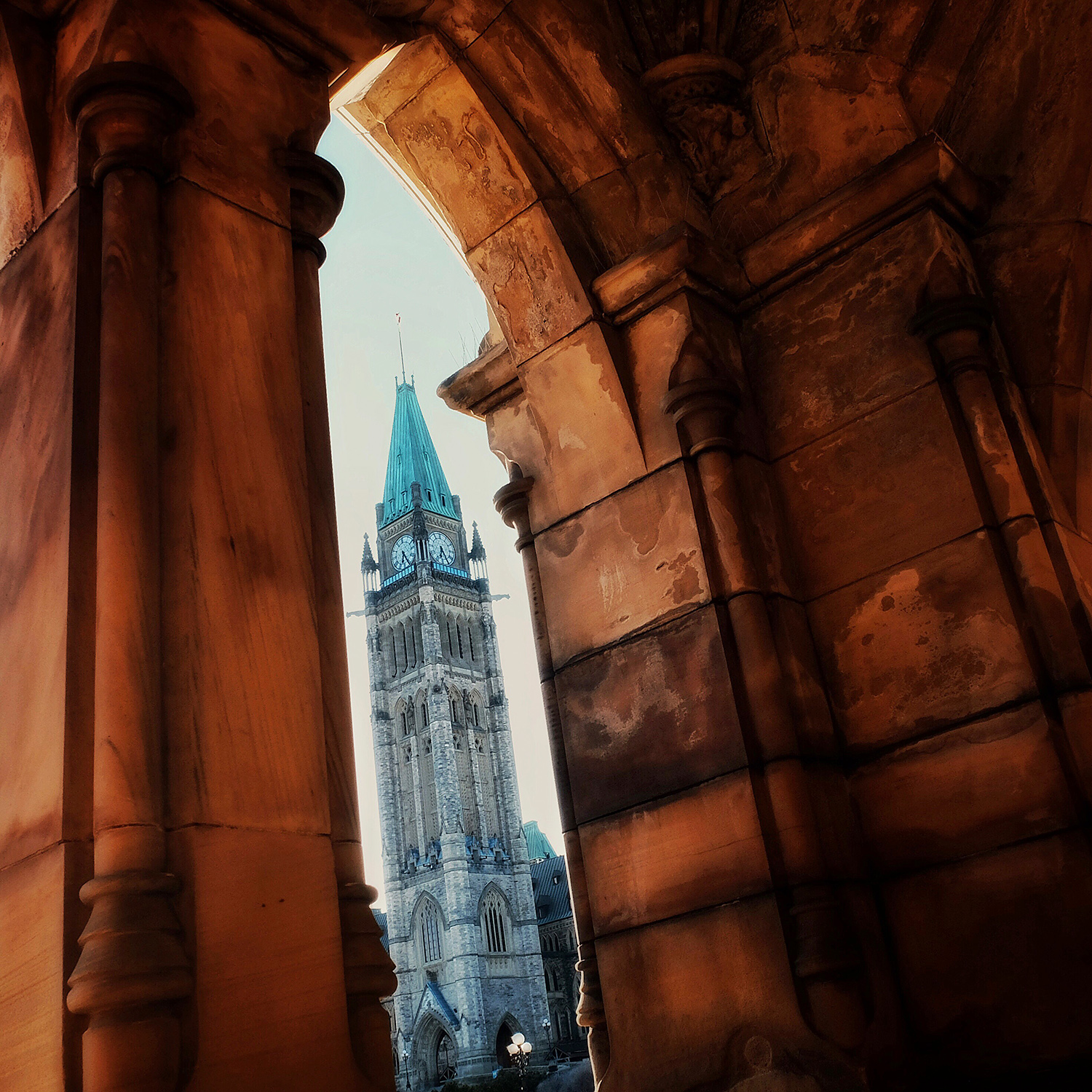 loveOttawa_PeaceTower2_web.jpg