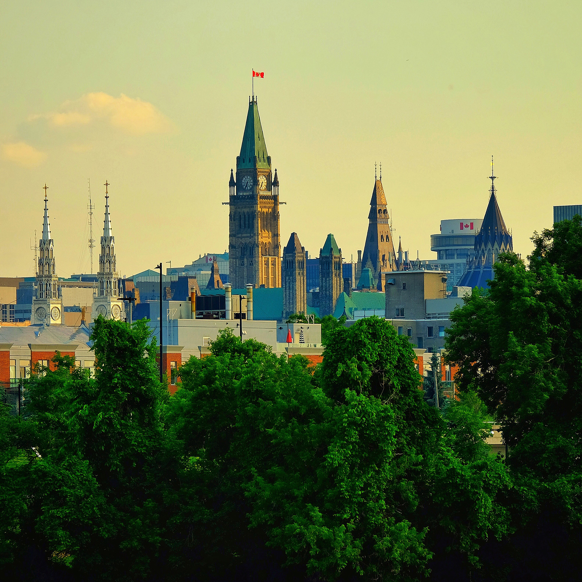 Seeing and discovering Ottawa, and beyond (6hrs)